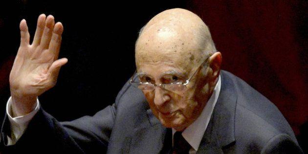 Giorgio Napolitano mette la cintura di sicurezza al governo Renzi. Al Quirinale la foto di chi sale e...