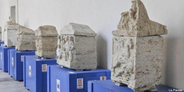 Archeologia: 23 urne etrusche ritrovate dai Carabinieri. Il ministro Massimo Bray: