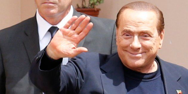 Silvio Berlusconi esemplare a Cesano Boscone, poi sbotta e attacca i giudici: