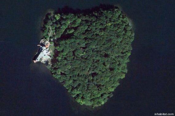 Angelina Jolie regala un'isola a forma du cuore a Brad Pitt: 15 milioni per Petra Island
