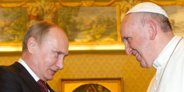 Vladimir Putin a Roma incontra Papa Francesco, Romano Prodi e Silvio Berlusconi. E lo aspettano i pro...