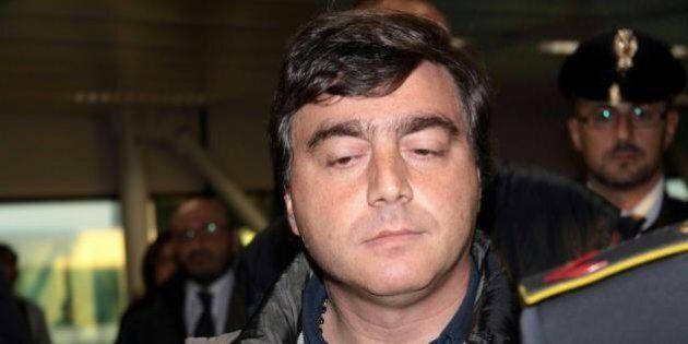 Valter Lavitola collabora con i pm di Napoli. Per Silvio Berlusconi, c'è il rischio di nuove accuse sul...