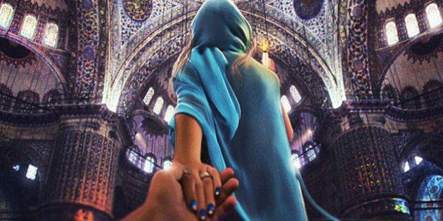 Follow me, iI fotografo e la fidanzata in giro per il mondo. Il reportage di Murad Osmann