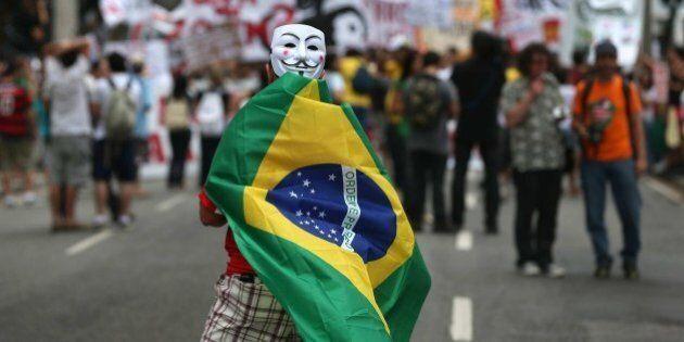 Mondiali in Brasile, sondaggio choc: la maggioranza dei brasiliani non vuole il torneo