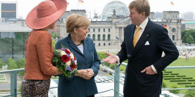 Semifinali Mondiali 2014, il re Guglielmo d'Olanda tra le lady di ferro: Angela Merkel, Dilma Rousseff,...