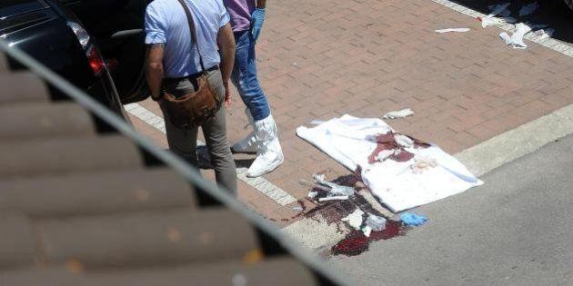 Perugia, spara all'ex convivente e al figlio. Quando l'uomo ha fatto fuoco il bimbo era in braccio alla