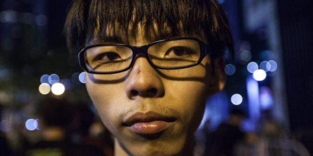 Hong Kong, storia del 17enne attivista-prodigio che sfida l'impero di Pechino. Chi è Joshua Wong