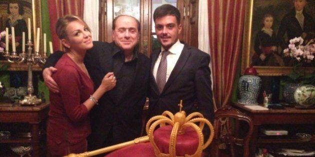 Francesca Pascale, per il compleanno di Silvio Berlusconi una torta da
