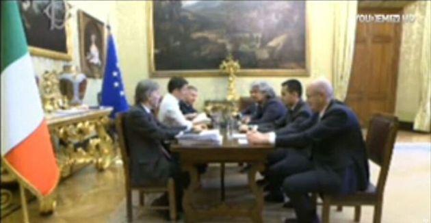 Incontro Matteo Renzi Beppe Grillo, il faccia a faccia in diretta streaming: