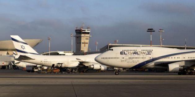 Ebrei ortodossi causano ritardo del volo: si rifiutano di sedere accanto alle donne e fanno 11 ore in
