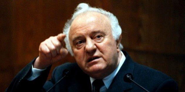 Eduard Shevardnadze è morto. Fu l'ultimo ministro degli Esteri dell'Urss, protagonista della