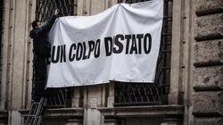 Silvio Berlusconi, striscione a Palazzo Grazioli: