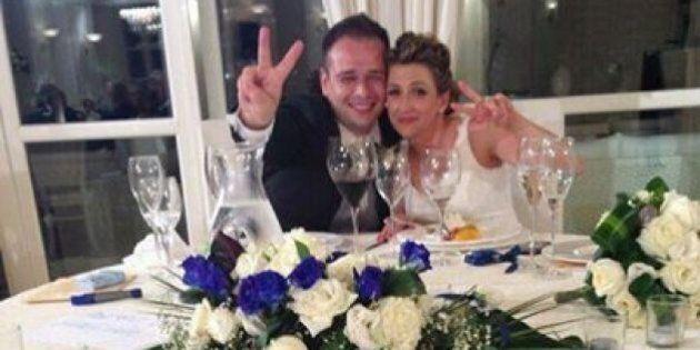 Daniele Del Grosso si sposa con la bandiera del Movimento 5 Stelle. Ironia su facebook: