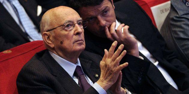 Riforme, Giorgio Napolitano in soccorso a Matteo Renzi contro la palude. Al Senato slittano ancora i