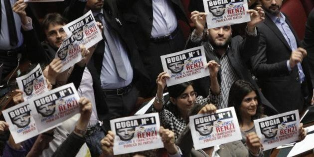 Finanziamento ai partiti, la Camera dà l'ok: l'abolizione è legge. Proteste del M5s