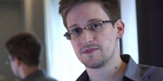 Edward Snowden appello a Obama per la clemenza di New York Times e