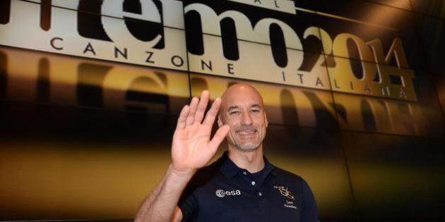 Festival di Sanremo 2014: la terza serata in diretta. I big in gara e gli ospiti intenazionali. C'è Renzo...