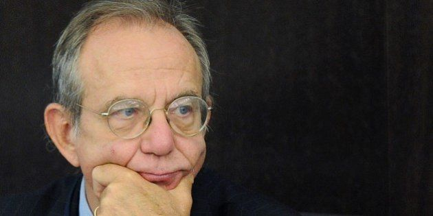 Pier Carlo Padoan (Ocse) esorta l'Italia a tagliare il cuneo fiscale e aumentare la rete di protezione