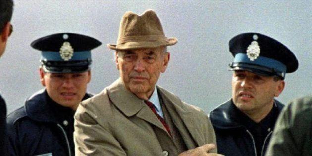 Erich Priebke morto a 100 anni. L'ex capitano dell Ss condannato all'ergastolo per la strage delle Fosse...