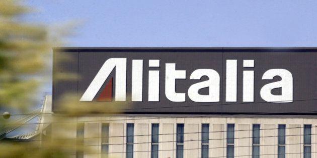 Alitalia: approvato l'aumento da 300 milioni. Poste pronta a partecipare con 75