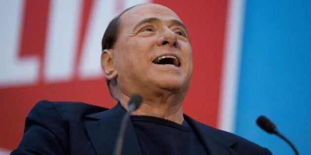 Silvio Berlusconi all'ultimo comizio prima della decadenza indossava il giubbotto antiproiettile