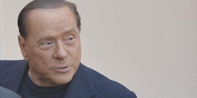 Silvio Berlusconi si attacca a Geithner per risalire nei sondaggi. I suoi scatenano l'inferno, lui si