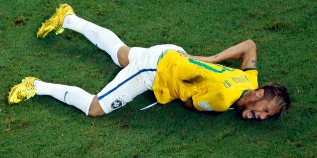 Neymar infortunio Mondiali 2014: la Fifa pagherà al Barcellona un risarcimento di 13.972 euro al giorno