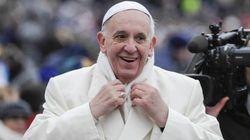 Francesco commissaria i commissari. Il Papa del decentramento costretto ad