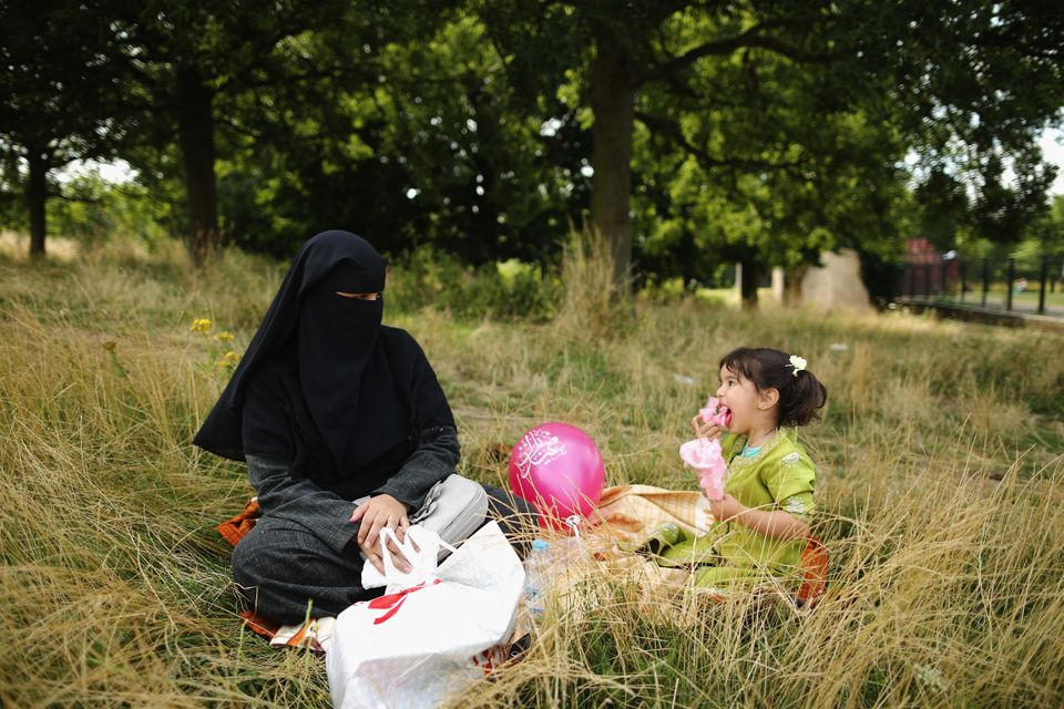 There are no laws restricting the use of Muslim veils. But a London judge this week ordered a defendant on trial for witness