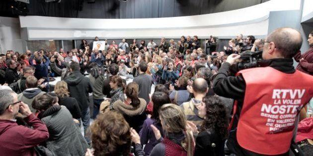 Crisi Spagna, tv pubblica valenziana chiude i battenti dopo 24 anni. Sgombero forzato dei lavoratori