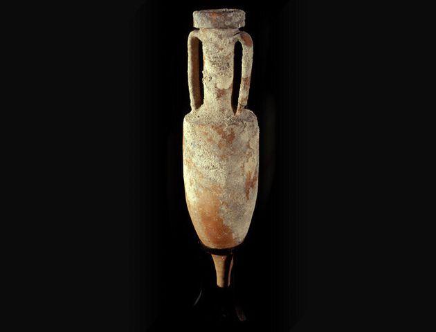 Scajola, Sgarbi e l'antico vaso. Storie di anfore e di