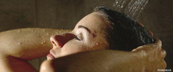 50 segreti di felicità quotidiana. Come sorridere ai ricordi e purificarsi in un hammam fai-da-te. La...