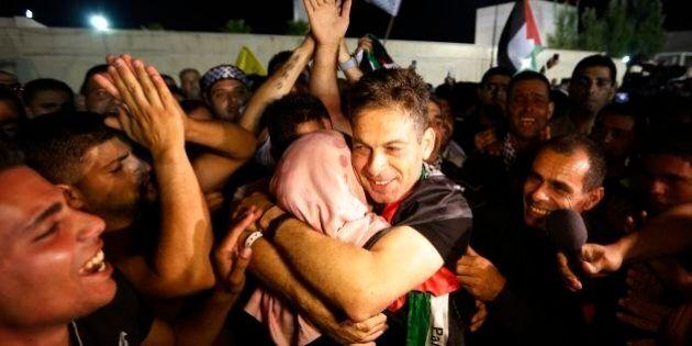 Gaza. Prima del dialogo di pace, Israele concede a 26 prigionieri il ritorno in Palestina (FOTO,