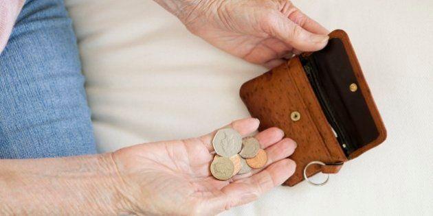Rapporto Caritas, la crisi raddoppia i poveri, sono l'8% degli italiani. Serve un reddito di inclusione