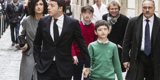 Agnese Renzi al Quirinale: con i figli vestiti tricolore verde, bianco, rosso i maglioncini