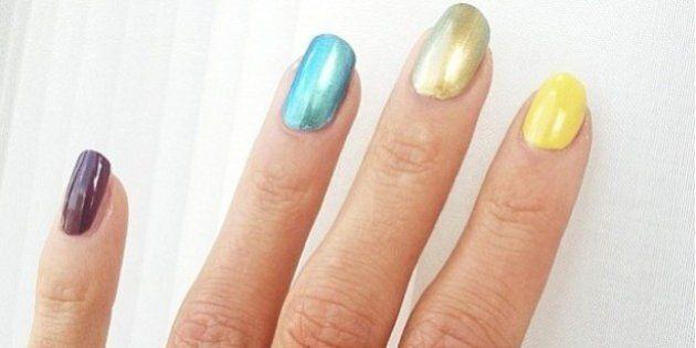 Emma Green Tregaro gareggia con unghie rainbow. L'atleta svedese sfida la legge russa antigay
