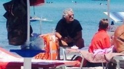 Relax in spiaggia per Grillo