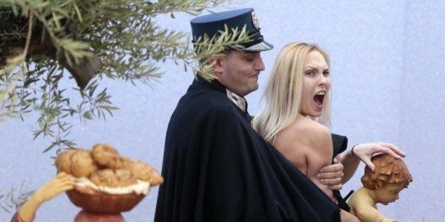 Femen a San Pietro: libera l'attivista arrestata a Natale. Non potrà entrare in Vaticano