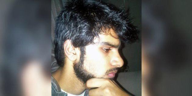 Mohammed Hamzan Khan, diciannovenne americano, è accusato di voler entrare in Isis, lo hanno arrestato...