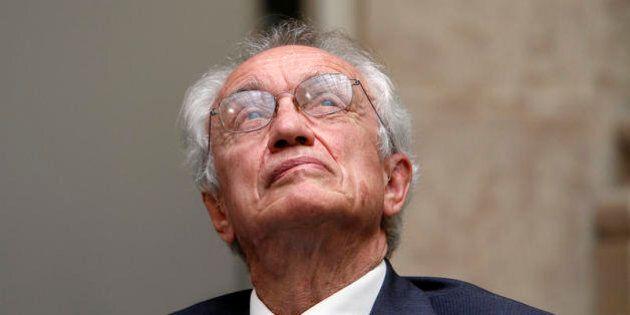 Ubi, l'inchiesta su Giovanni Bazoli fa scricchiolare la poltrona dell'ultimo banchiere di
