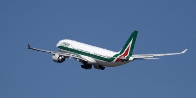 Rapporto Migrantes 2014, in Italia i lavoratori che emigrano all'estero sono più del doppio di quelli...