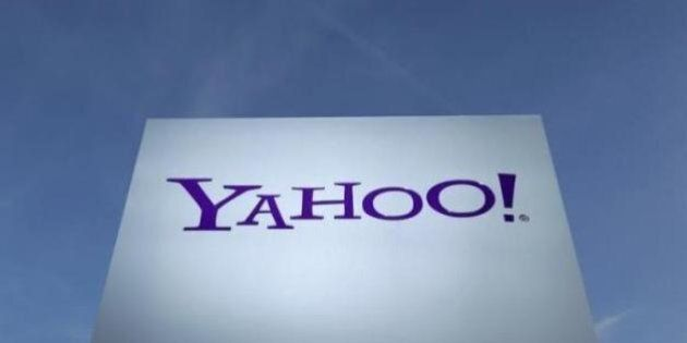 Sesso lesbico in cambio promesse di carriera. Scandalo saffico a Yahoo.