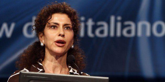 Luisa Todini presidente di Poste ma non lascia l'incarico in Rai. Attacchi da Pd e