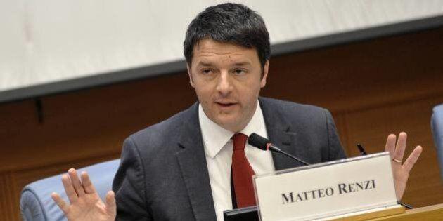 Matteo Renzi durante la conferenza stampa cita Fonzie,