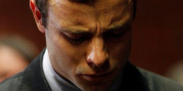 Oscar Pistorius accusato formalmente dell'omicido di Reeva Steenkamp. Il processo comincerà il 3 marzo...