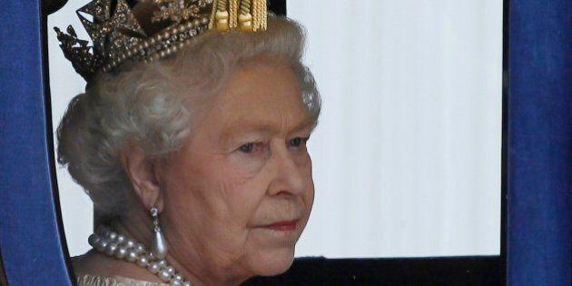 La Regina Elisabetta a Roma dopo 14 anni: pranza con Giorgio Napolitano e incontra Papa Francesco