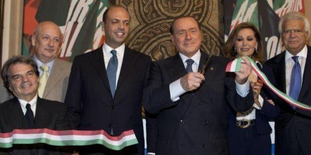 Enrico Letta e Giorgio Napolitano spiazzati da Silvio Berlusconi. Si apre una