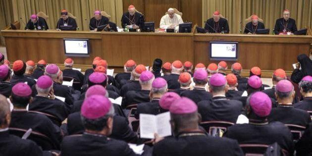 Sinodo sulla famiglia, i vescovi aprono alle unioni di fatto: