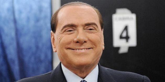 Silvio Berlusconi e la crisi di governo, la telefonata a Napoli: