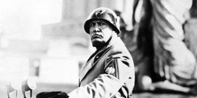 Tessere false Pd, Il Giornale iscrive Benito Mussolini da Predappio al Partito Democratico. Senza verifiche...